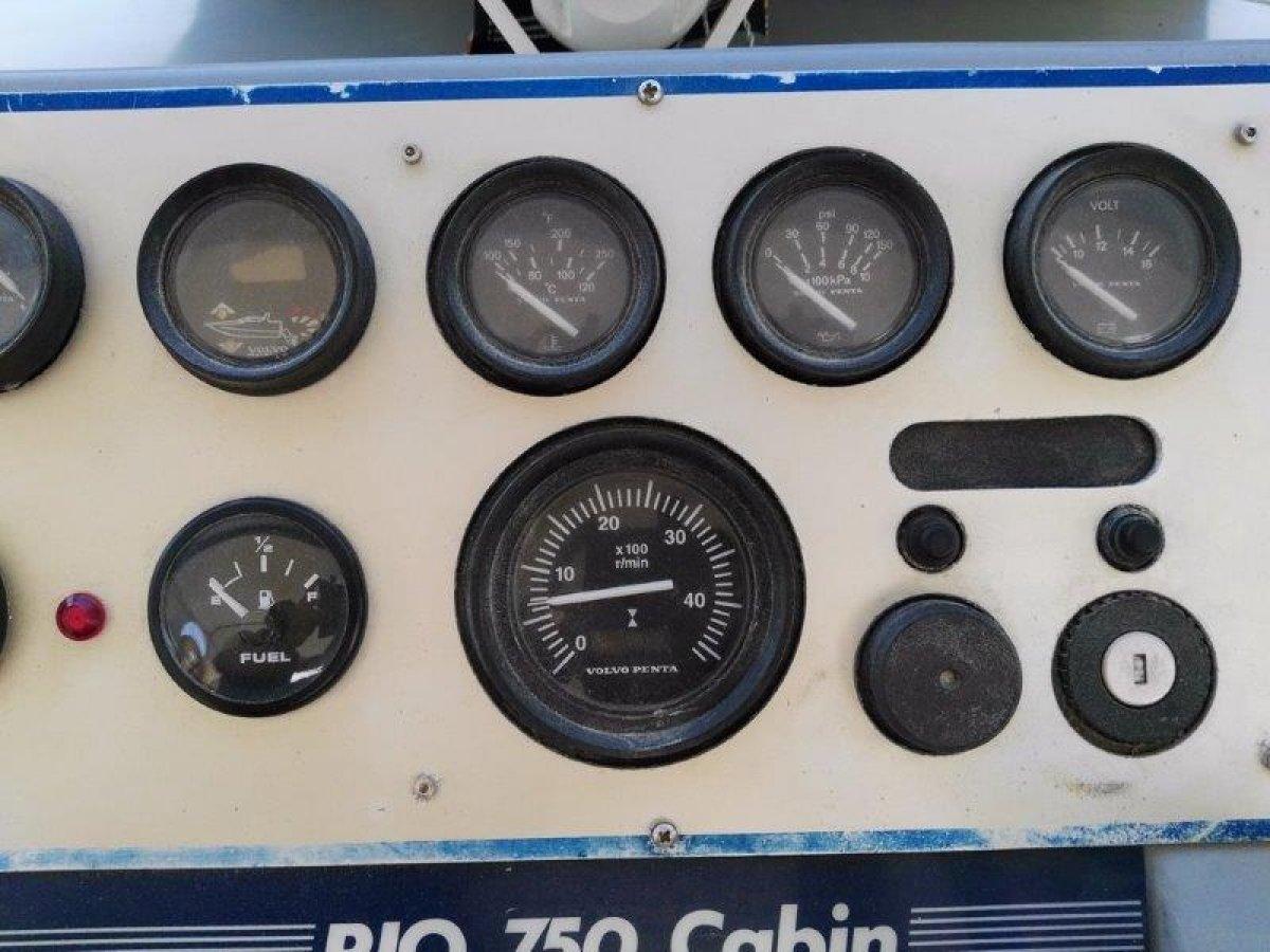 RIO 750 CABIN - 35